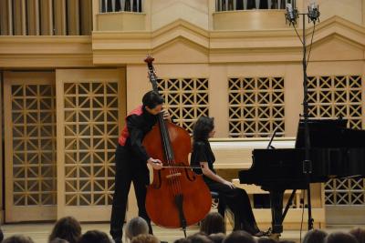 Indi Stivín - kontrabas & Alice Springs - klavír