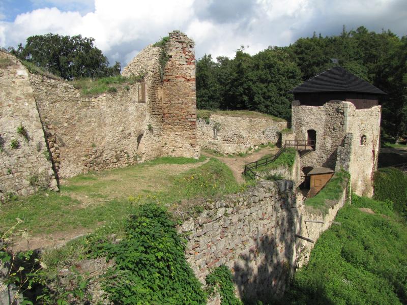 Radim Vrla: Příběhy hradů Zlínského kraje